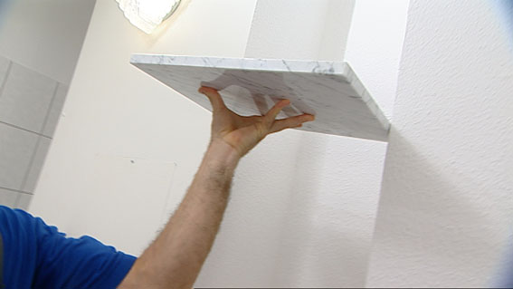 wachsschichten von carrara marmor entfernen